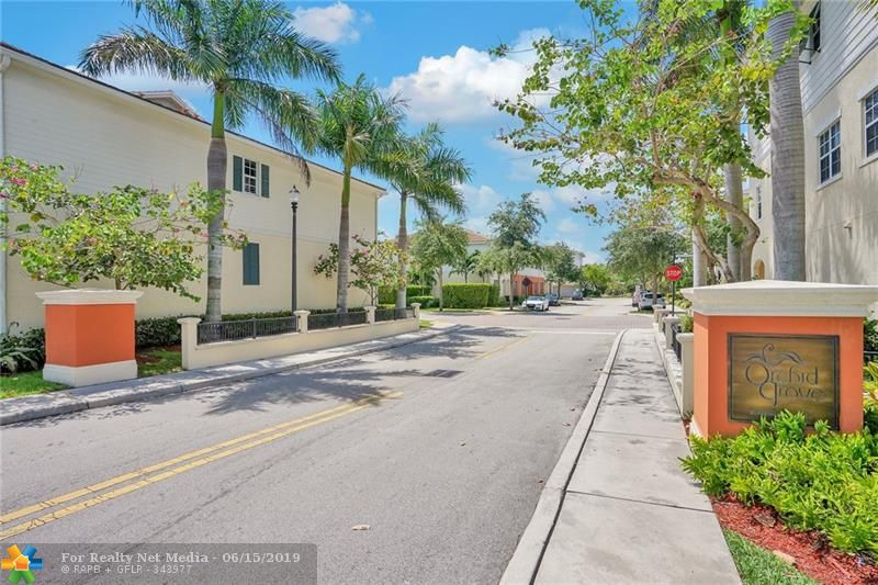 708 SW 2nd Ave #708 For Sale F10180148, FL