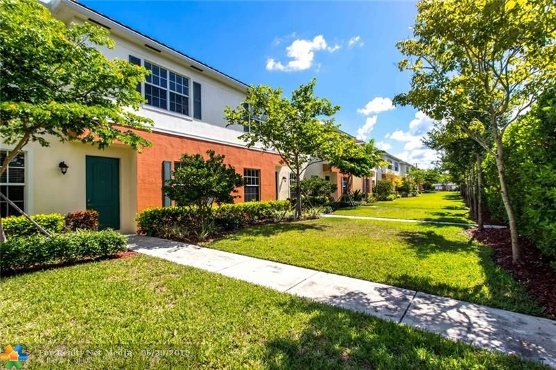 142 SW 7th Ct #142 For Sale F10182888, FL