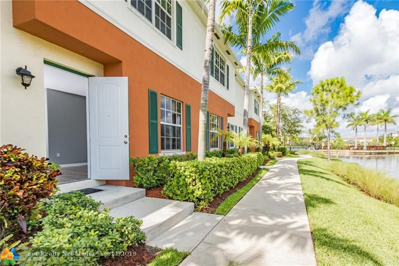 167 SW 7th St #167 For Sale F10187054, FL