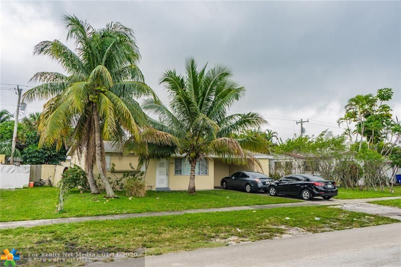 370 NW 37th St  For Sale F10196122, FL