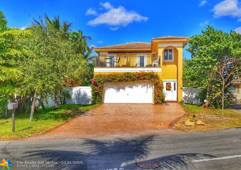 3229  Canal Dr  For Sale F10199931, FL