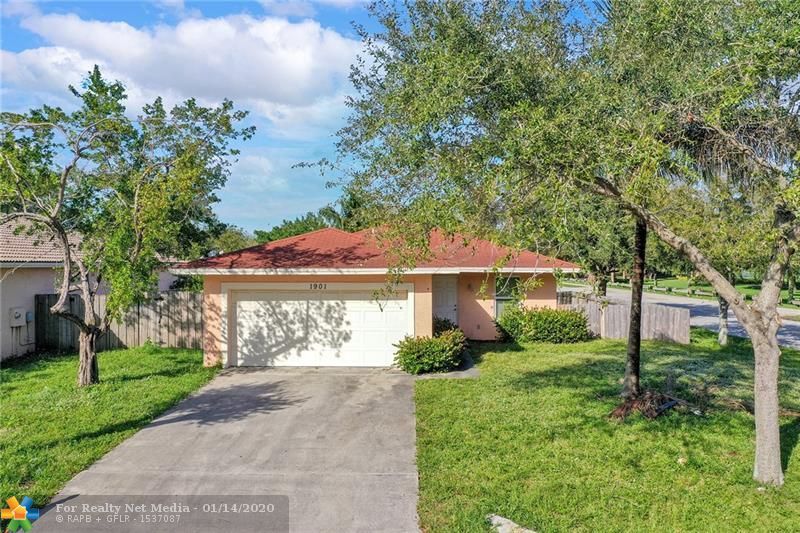 1901 NW 4th St  For Sale F10211282, FL