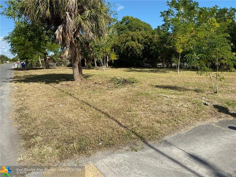 141 NW 11th St  For Sale F10214735, FL